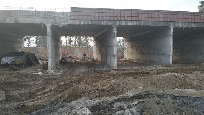 A supporting river of Gomti has completely dried up