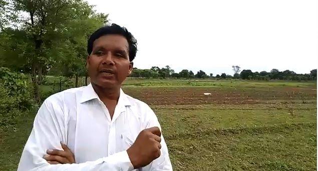 झांसी जिले से ललितपुर आकर धान की खेती करते हैं किसान इंदर सिंह