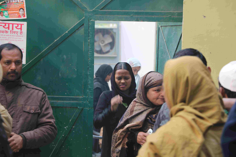 मदरसा  यौन शोषण मामला : 'हाफिज जी हमसे पैर दबवाते थे, पेट पर लात मारते थे'