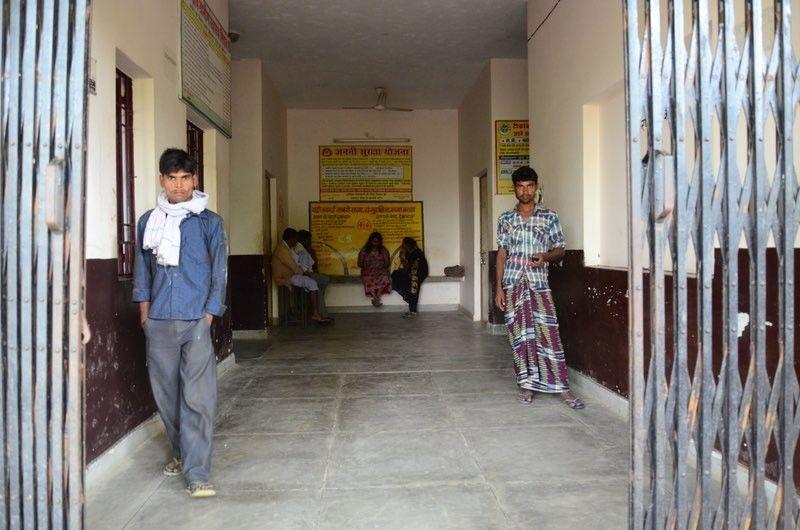 शाहजहांपुरः सरकारी अस्पताल में मरीजों से उगाही